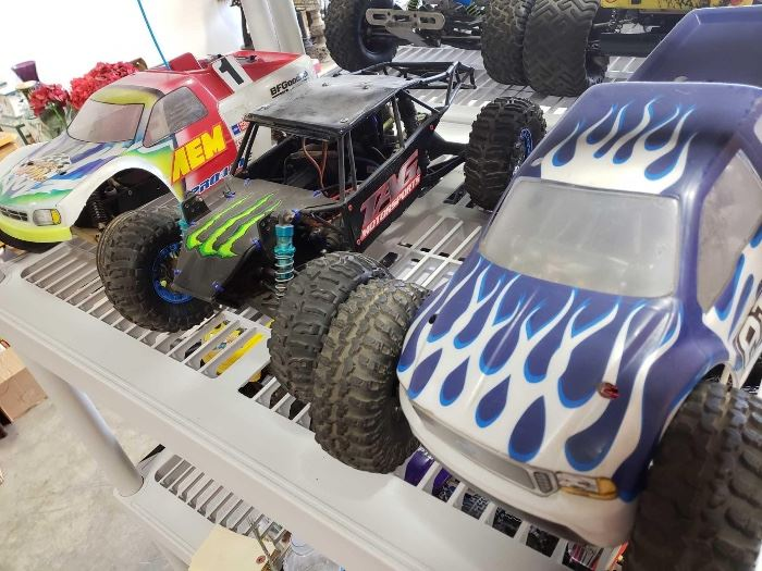 # 217 3 Electric Offroad RC Cars, 2 are 4WD 3 Electric Offroad RC Cars, 2 are 4WD
