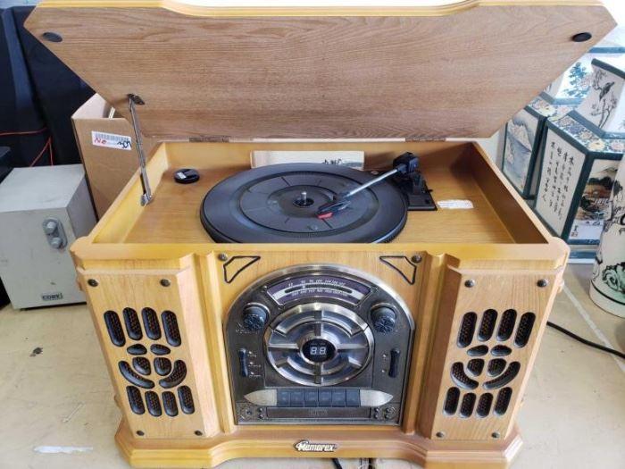 #309: Memorex Record/CD Player Memorex Record/CD Player