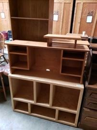 # 722 Miscellaneous Shelving Approximately 5 pieces in miscellaneous sizes