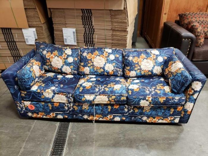 # 800 Couch Couch With Floral Pattern