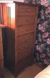 Thomasville Tall Chest https://ctbids.com/#!/description/share/121002