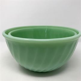 Jadeite Bowls (2) https://ctbids.com/#!/description/share/121229