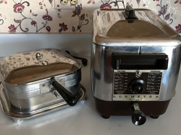 Vintage Kitchen Electric Appliances https://ctbids.com/#!/description/share/121246