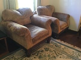 Pair of over stuffed gold velvet chairs from Hickory White. Well made!!