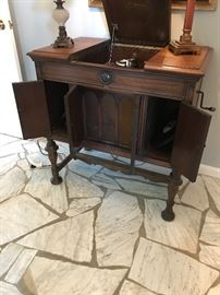 Victrola with all doors open
