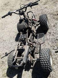 Sundiro 50cc 80cc 4 wheeler No plastics no seat ...