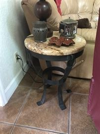 Matching end table 25 t x 18.5 d