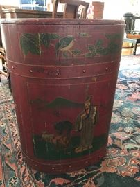 Large Asian-style tea or storage container
