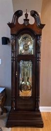 Howard Miller Grandfather clock model 611-046 Lindsey