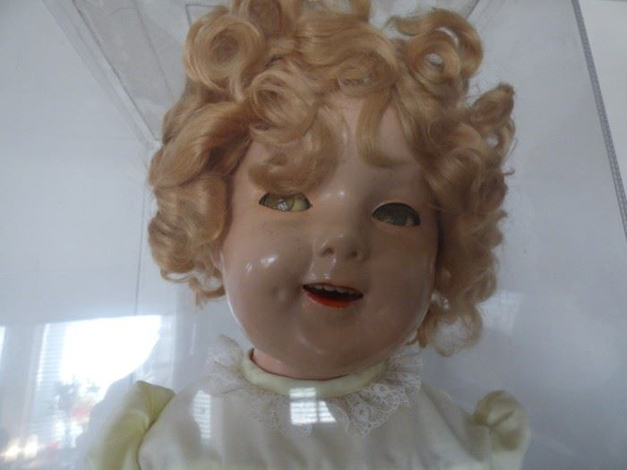 Shirley Temple doll in excellent condition.