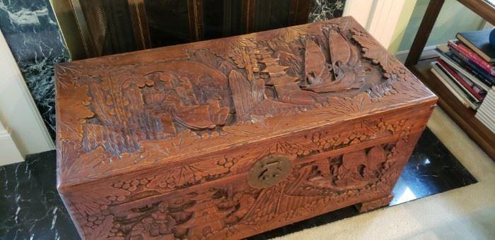 Antique chest/Camphor
