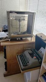 vintage typewriter... vintage  scale