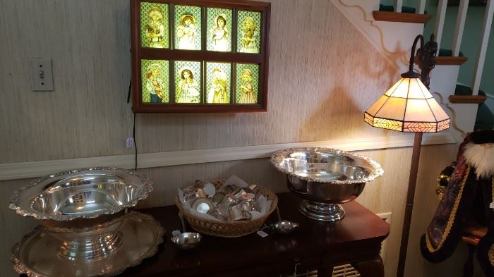 Silver plate large bowls....lamp....
