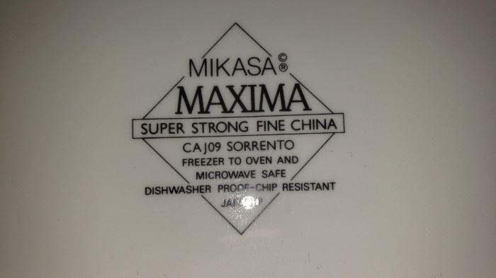 Mikasa Maxima Sorrento many pieces