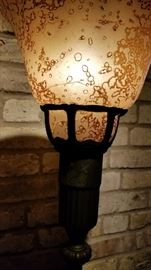 Floor Lamp Mottled Shade Torchiere issue