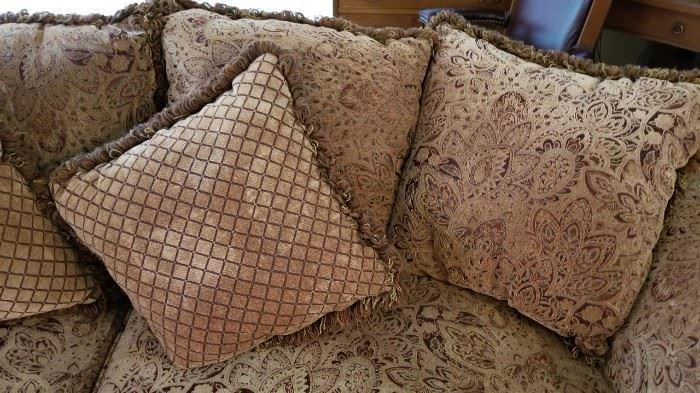 Klaussner Couch Pillowbacks