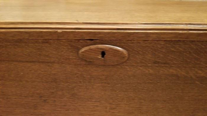 Oak Truck Lock