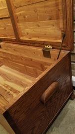 Oak Truck Side Handle and Hardware