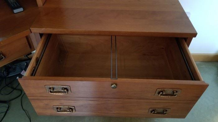 Stickley Workstation Desk File Storage