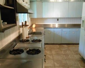 Go back in time with this awesome kitchen!  If you want it please bid.  We will set up a time suitable to remove it.