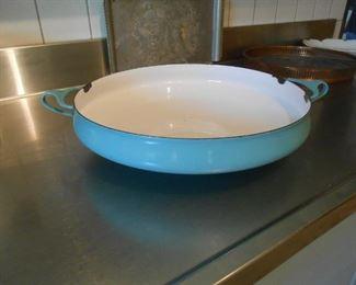 Porcelain large pot
