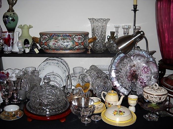 CRYSTAL CHEESE DISH AND 2 HANDLED ORIENTAL POT