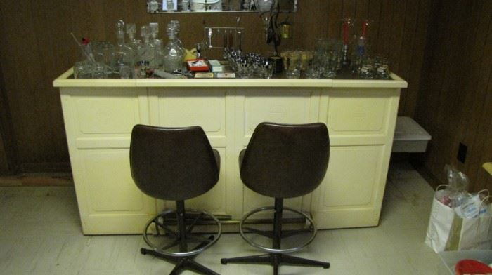 Mid Century Folding Bar & stools. Large selection of barware bar glasses too.