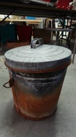 2 Gal. Metal Pail with Lid