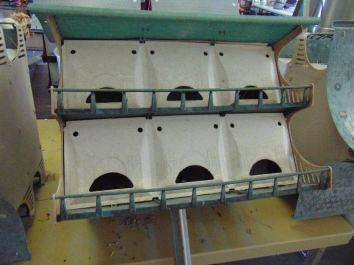 Bird House with adjustable pole