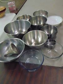 metal mixing bowls, big ones and medium ones and s ...
