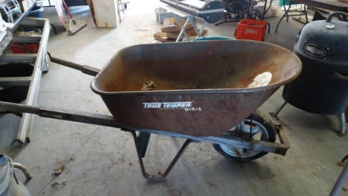 True Temper Contractor Grade Holds 6 Cubic Feet Wh ...