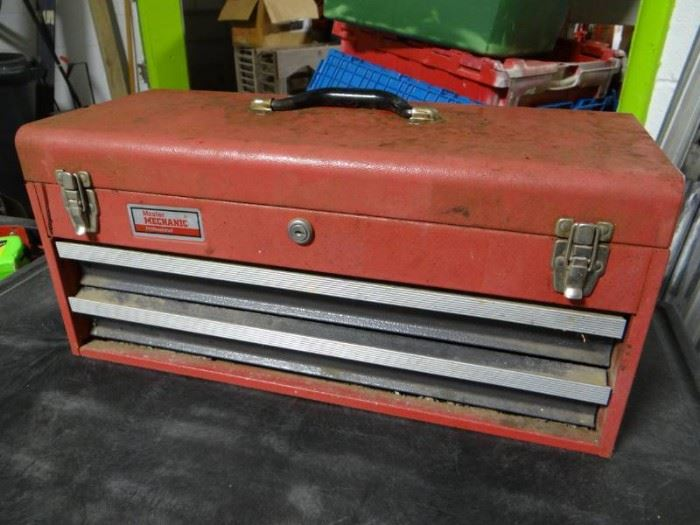 Master mechanic toolbox w contents.