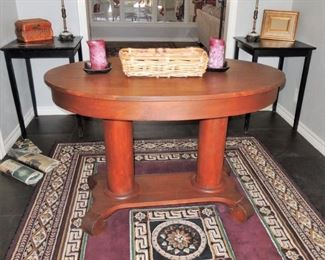 Traditional entry table, small side tables, lamps, 5 x 7 rug