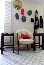 Antique chair - bar chair set. 5 x 7 rug