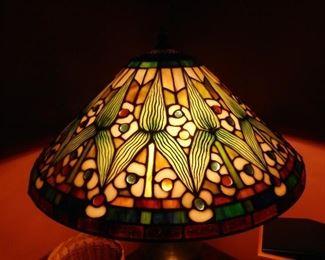 Quoizel Acrylic Shade Lamp