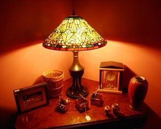 "Quoizel Acyrlic ""Faux"" TIffany Table Lamp"