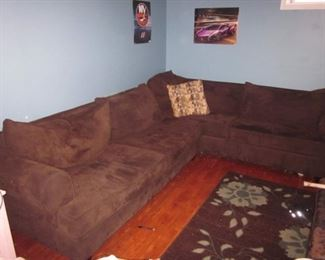 RAYMOUR & FLANNIGAN NEWER SECTIONAL SOFA
