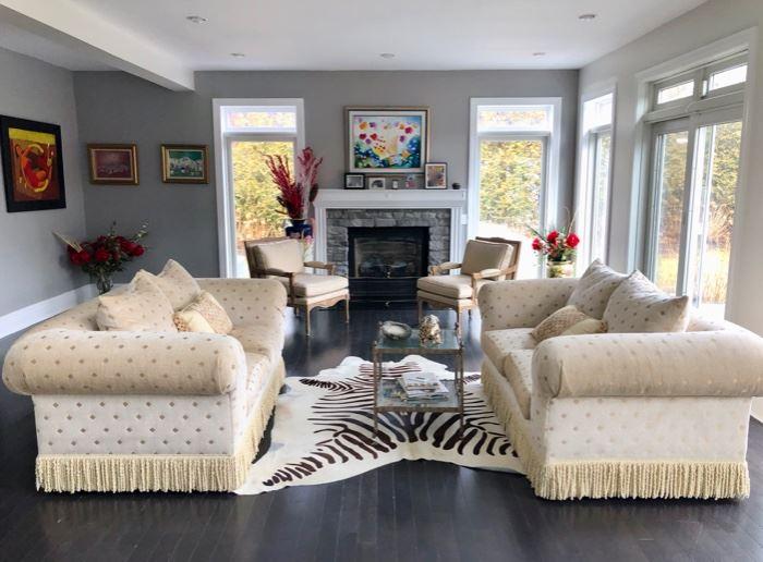 Custom upholstered living room sofas & decor