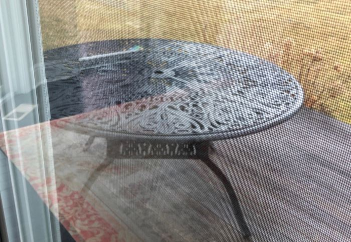 Iron round patio table & chairs
