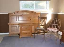 Broyhill Bed & Nightstand