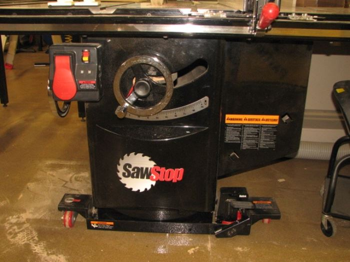 Saw stop 10 inch cabinet saw /table saw