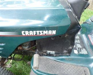 CRAFTSMAN RIDER MOWER  - LT1000 - RUNS GOOD