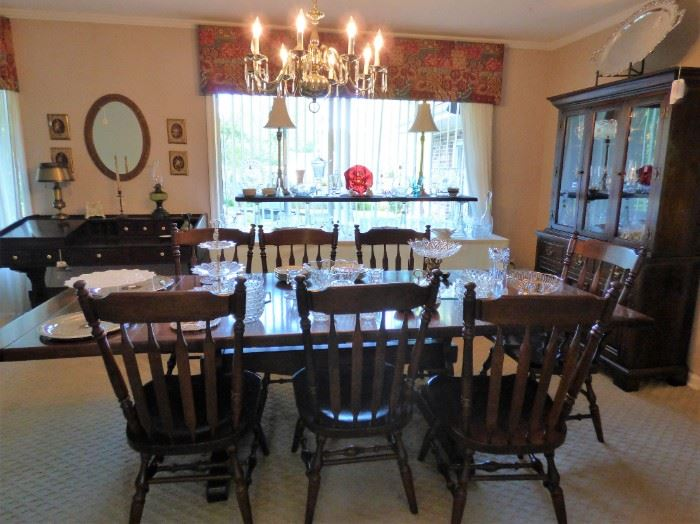 Ethan Allen Trestle Dining Table with 8 chairs