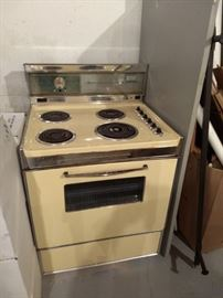 Working Retro 1970's Yellow Electric Stove