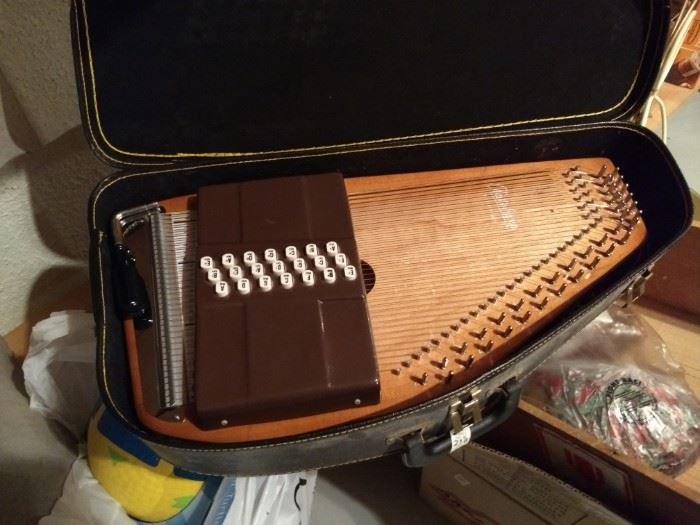 Oscar Schmidt Harpsicord