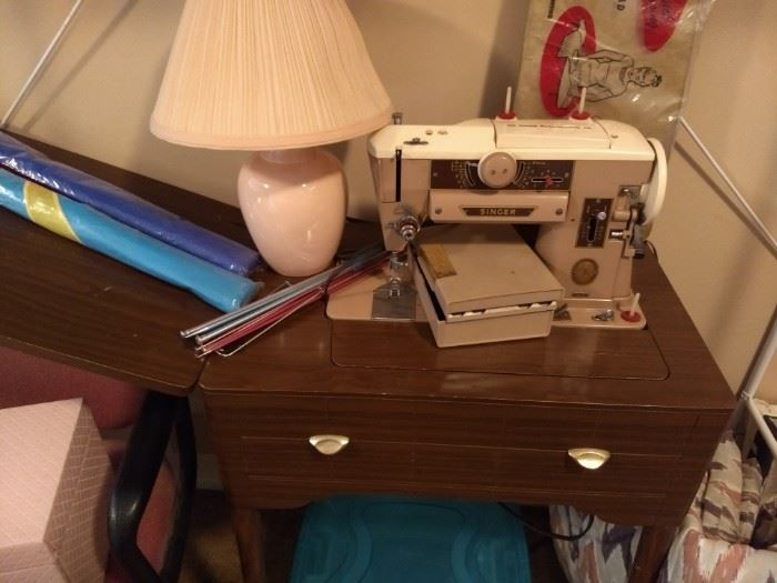 Singer 401A Quilting Sewing Machine