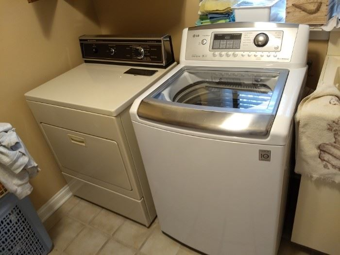 Clothes Washer & Dryer