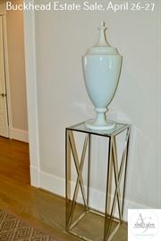 19 Foyer Stand with Decor