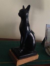 Feline sculpture