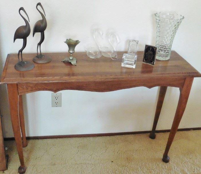 Oak sofa or entry table